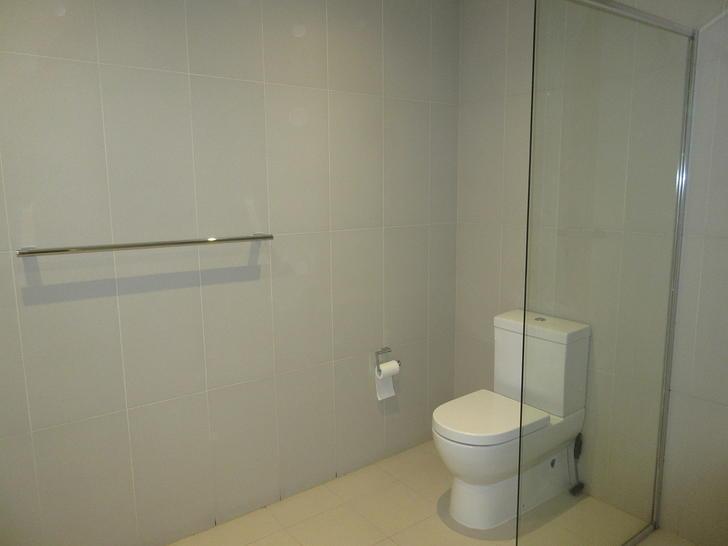 98898268ec3a031b22cb5e50 bathroom 1539568922 primary