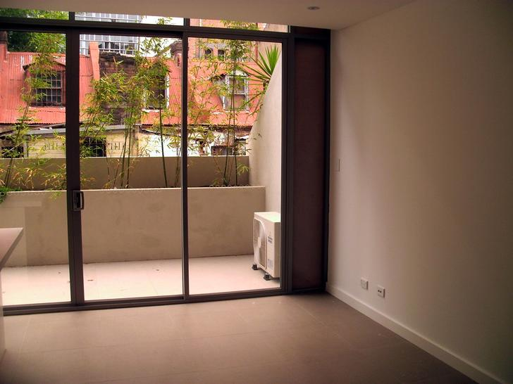 Goold street living hall balcony 1541394589 primary