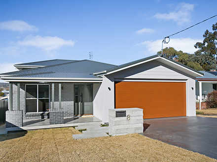 House - 8 Anderson Street, ...