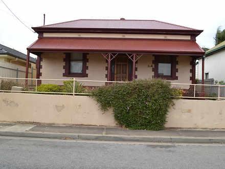 House - 16 West Street, Que...