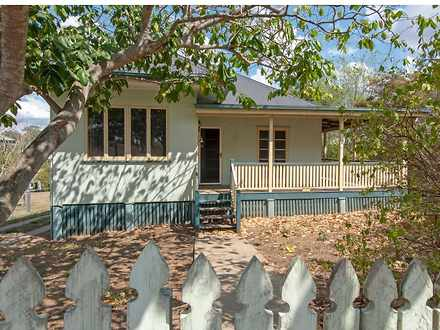 House - 88 Eskdale Road, To...