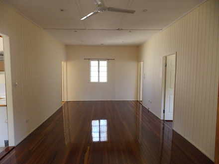 House - 4 Lanefield Road, R...