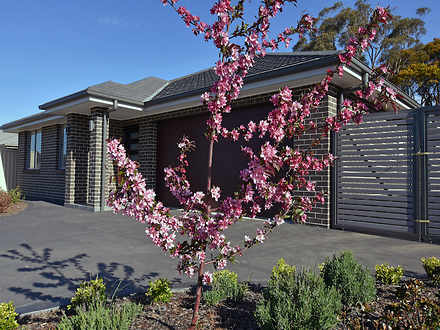 House - 33 Red Gum Drive, M...