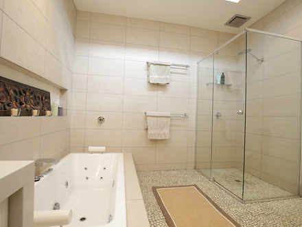 6da4da38496c9dcf5675c2ff 13156 bathroomb 1544466553 thumbnail
