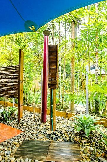 677f809d4d49b09800325d93 1408068237 10411 outdoorshower 1544508790 primary