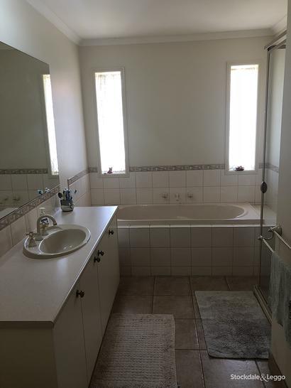 Dca6547f0c9ce5cd0d559cc2 18072 bathroom 1544640328 primary