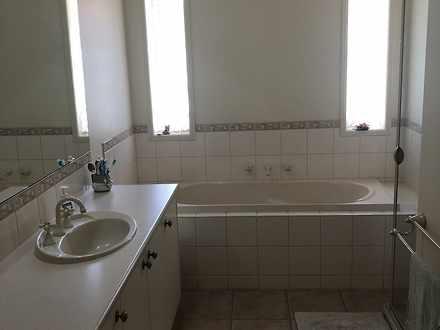 Dca6547f0c9ce5cd0d559cc2 18072 bathroom 1544640328 thumbnail