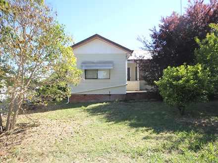 House - 4 Lachlan Close, Yo...