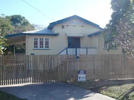 House - 32 Goldring Street,...