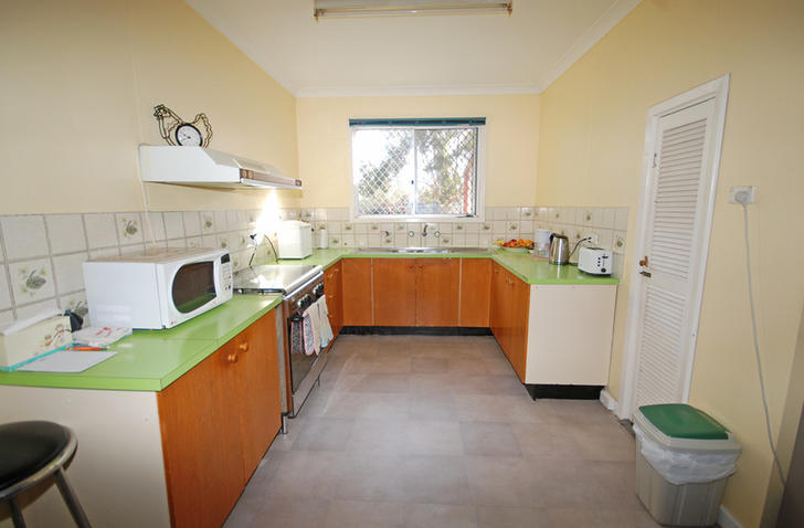 D6ee0ce2d0bbb3c1042f91ef 28098 kitchen2 1584605821 primary