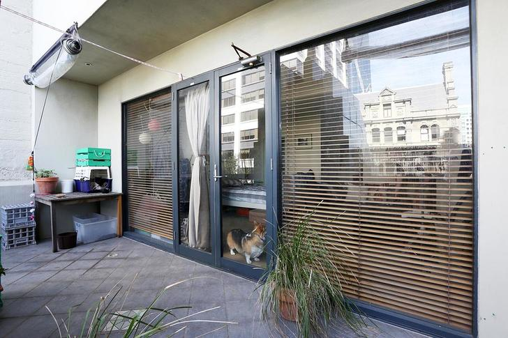 61/18 Queen Street, Melbourne 3000, VIC Studio Photo