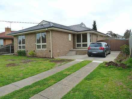 House - 4 Southgate Way, Av...