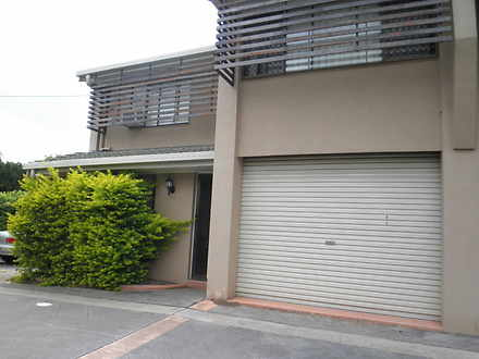 Townhouse - 2/33 Querrin St...