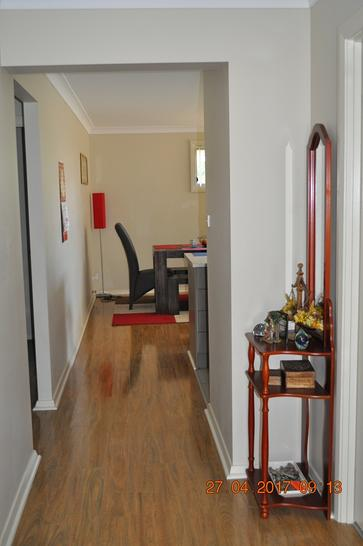 094b6106f16c9b86af0289db 17684 hallway 1546560826 primary
