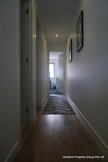 1 hallway 1546649460 primary