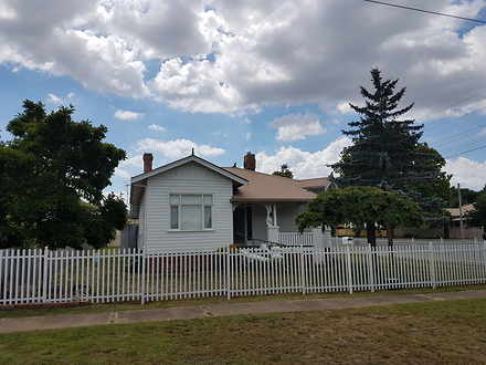 House - 104 West Avenue, Gl...