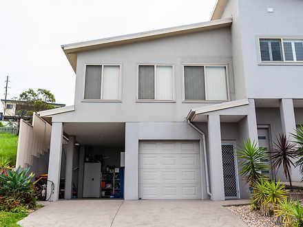 House - 2/19 Backhouse Road...