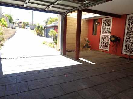 House - 12 Augusta Grove, Y...