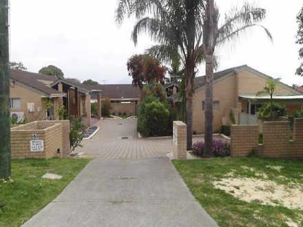 Villa - 8 / 157 Banksia Str...