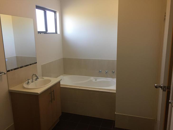 B8cc3f8ef29f4c3d712a5760 827 bathroom2 1548296414 primary
