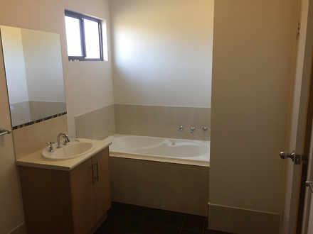B8cc3f8ef29f4c3d712a5760 827 bathroom2 1548296414 thumbnail