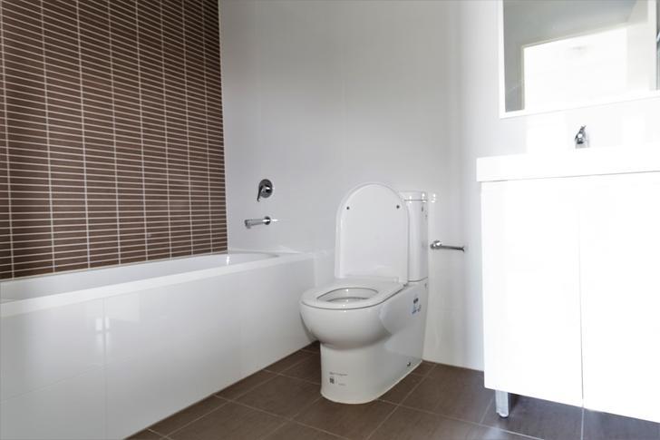 Fa3b6bdc7cf967b7356db5c9 bathroom 1 2 4910 5b18d8971804f 1585090563 primary