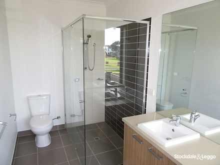 Ede1e5766db79097eecc5ed7 11219 hires.23996 bath 1584944073 thumbnail