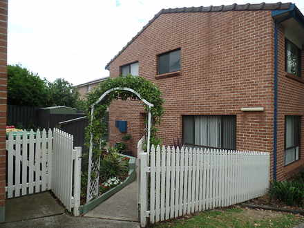 Townhouse - 3/49 Addison St...