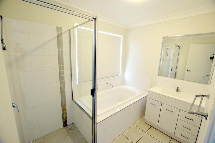 Fbd9c707eb0fbfbc86b43f69 22124 4oakdale bathrooms2 1550046759 primary