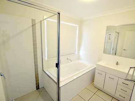 Fbd9c707eb0fbfbc86b43f69 22124 4oakdale bathrooms2 1550046759 thumbnail