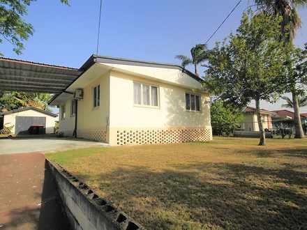 House - 68 Sanderling Stree...
