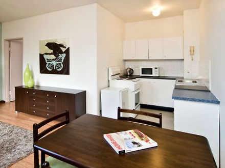 Apartment - 5/59 Lower Bent...