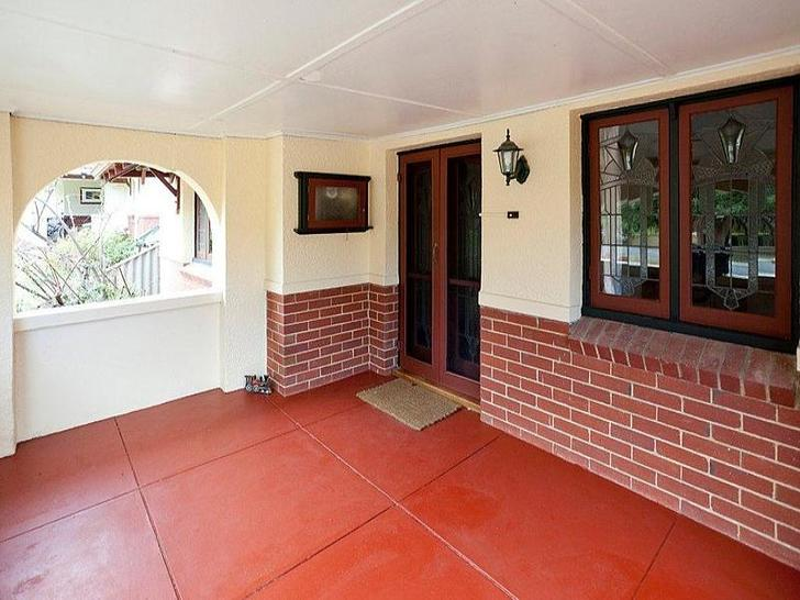 F6b4d2634ffd93f06ec8a45b 31660 pure leasing central house for lease nedlands family wooden floor7 1550130025 primary