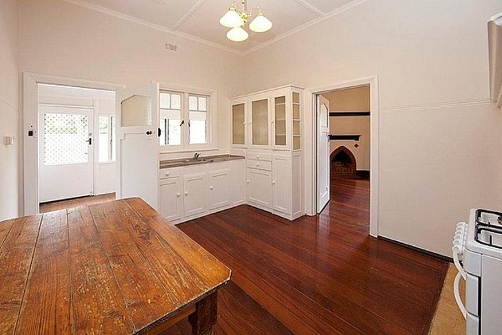 F31fdbac65de0f14d5a0ae5e 21369 pure leasing central house for lease nedlands family wooden floor10 1550130032 primary