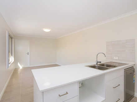 House - 44 Lakefield Drive,...