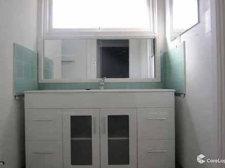 Bb84fa46c17aef1b81d1832a 16746 bathroom 1551074036 thumbnail
