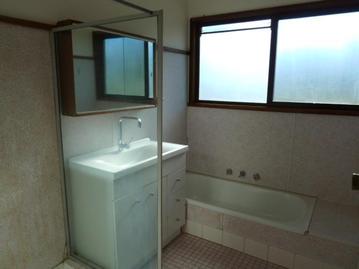 315d8e342f16ce7d1220696e 5516 bathroom 1551741405 primary