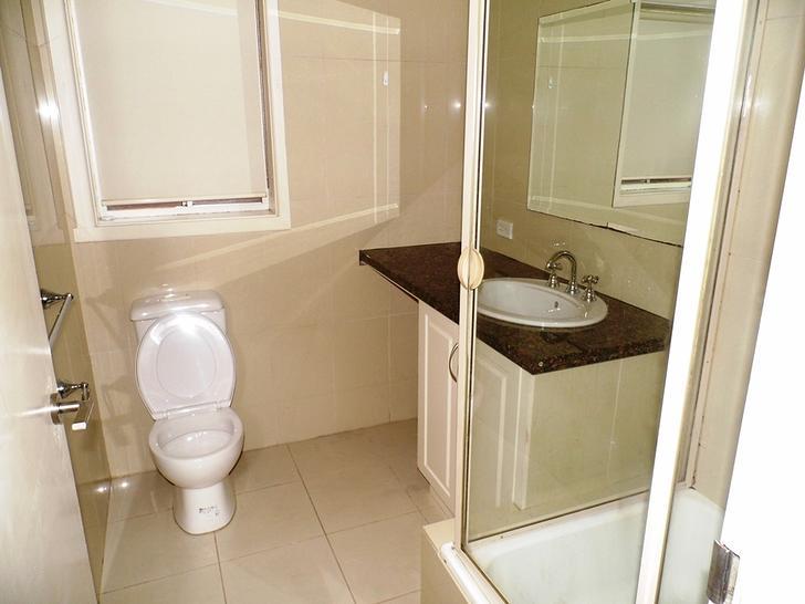 2be29ba0853a552f0652a553 5667 bathroom 1584816732 primary