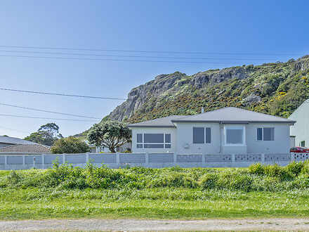 House - 8 Wharf Road, Stanl...