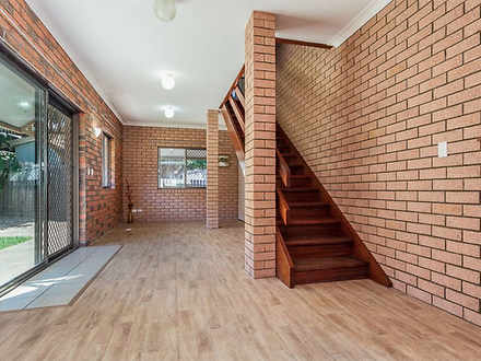 Unit - 3/17 Dix Street, Red...