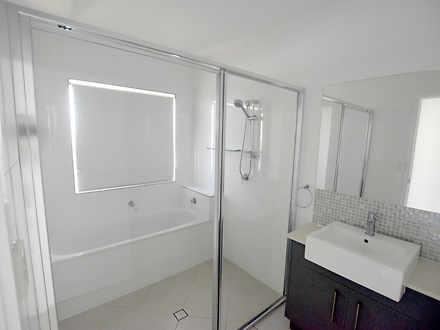 02c87c6c7355cbcbd236c494 21882 8iris bathroom21 1589243560 thumbnail