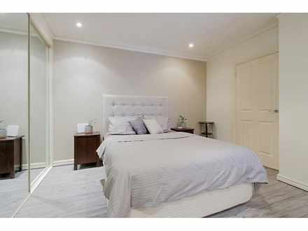 House - 305/9 Victoria Aven...