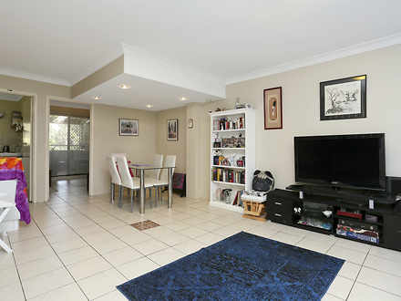 Townhouse - Kingswood 2747,...