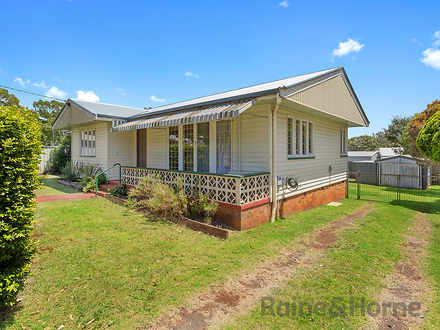 House - 25 Rivett Street, S...