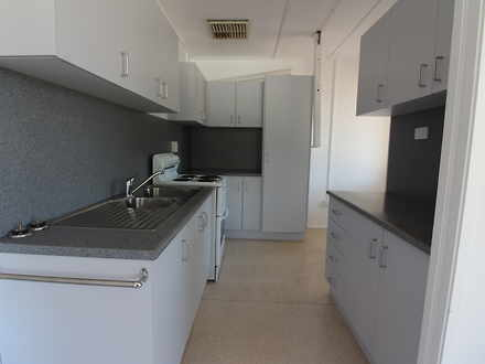 Unit - 21A Bougainville Str...