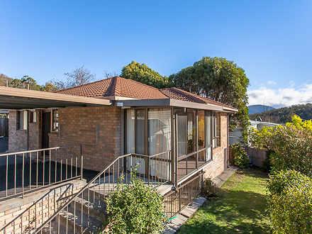 Villa - 1/27 Derwent Avenue...