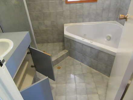 61356c8abe478ecd3e72a268 1287 bathroom 1588741975 thumbnail