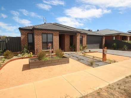 House - 33 Whirrakee Drive,...