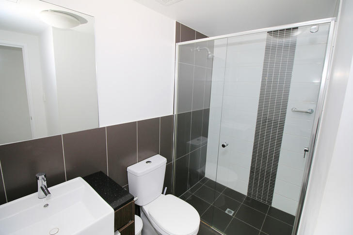 D80e8ba9b69d65d9028eb6af 24698 bathroom 1589933866 primary