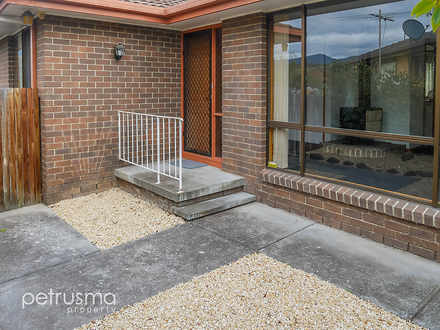 House - 61 Rees Place, New ...